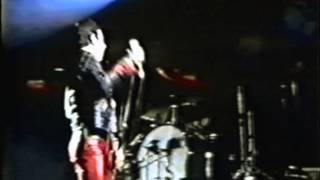 Cover images Queen - We Will Rock You (fast) - live in Caracas 1981