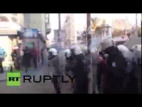 Turkey: Police fire tear gas at protesters on busy Istanbul street