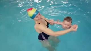 Детский бассейн Капелька. Занятия Мама и Малыш.