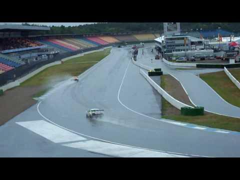 ADAC GT Masters, führender Audi R8 Christian Abt beim beschleunigen auf Start Zielgeraden