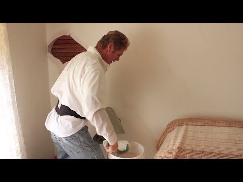 repair-interior-plaster-walls-hairline-cracks-caused-by-settling-issues