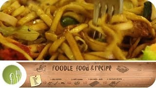Bami Goreng - Tiefkühlkost vs. Originalrezept I Foodle -- Food &amp Recipe