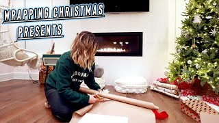 wrapping-christmas-presents-vlogmas-day-18