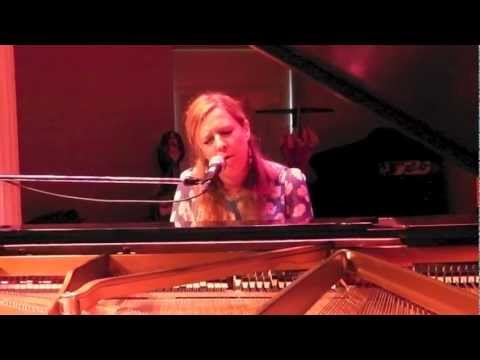 Daisy Chapman covering The Smashing Pumpkins' 'Disarm'
