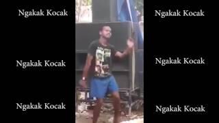Video [Ngakak Kocak]#1 Video orang gila joget dangdut yang sedang viral...asli bikin ngakak download MP3, 3GP, MP4, WEBM, AVI, FLV Januari 2018