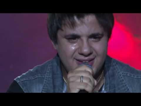 cristiano-araújo-chora-na-primeira-gravação-da-música-efeitos-|-antes-da-fama-(ao-vivo)