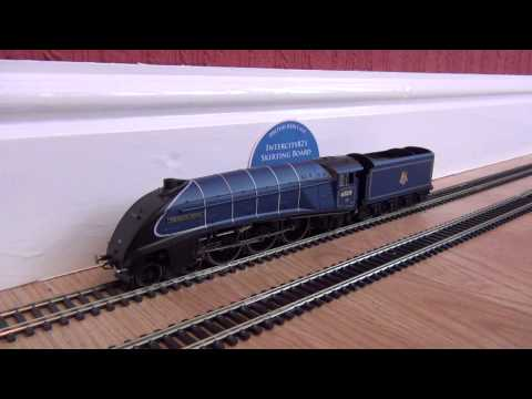 Opening the A4 DCC Sound 'Sparrowhawk' by Hornby