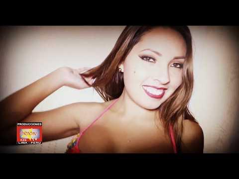 Claudia Begazo en sesion de fotos con bikini