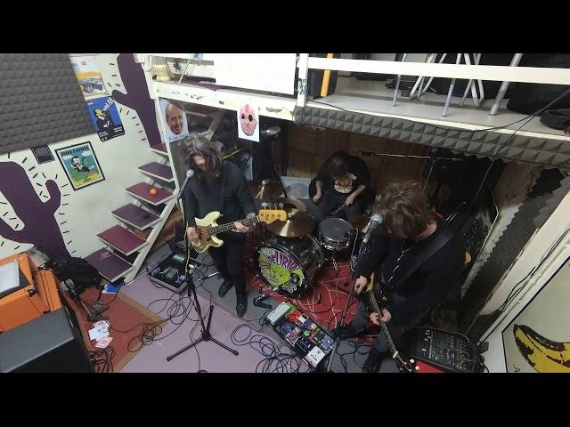 Mi Fa Schifo Lavorare (In Sala Prove) - Osaka Flu