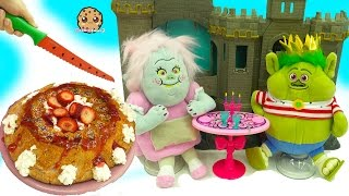 Trolls Poppy & Branch & Bergen Bridget Bakes Angel Food Cake For King Gristle Date