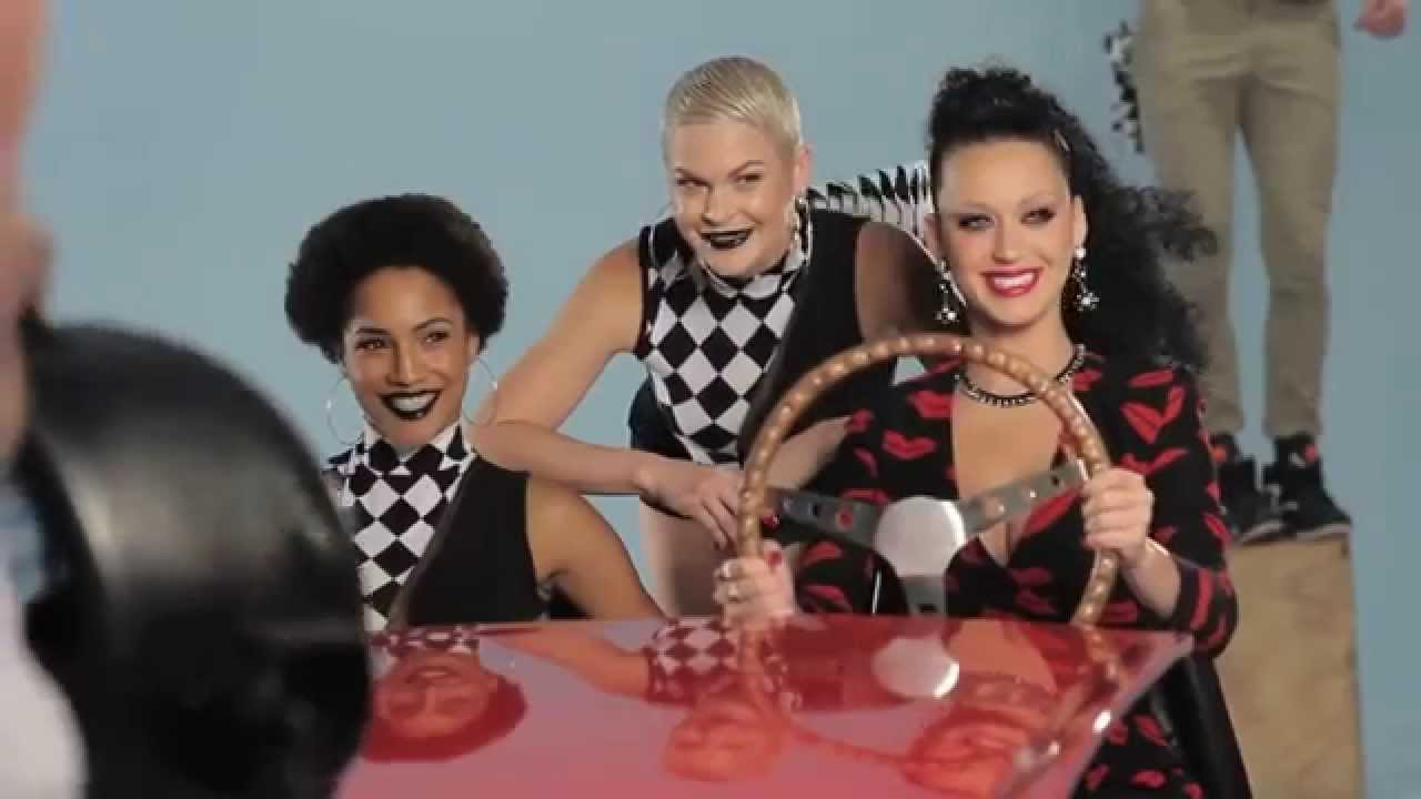 """Download Katy Perry - Making of the """"This Is How We Do"""" Music Video"""
