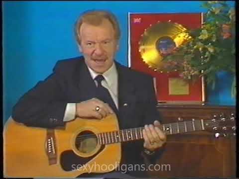 Bert Weedon's guitar course