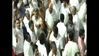 Kumaraswamy govt falls as it loses confidence vote in assembly