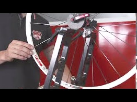 Service Video: DT Swiss SPLINE Wheels - Building the Wheel (EN)