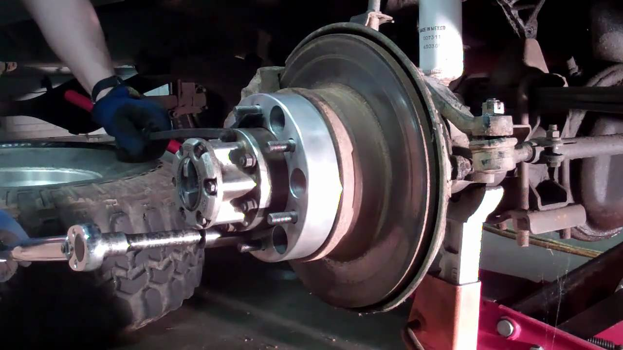 Installing Wheel Spacers For Toyota 4x4 Solid Front Axle