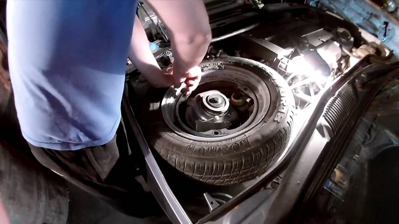 Заз-1102 «таврия» — переднеприводный автомобиль ii группы особо малого класса с. Коробка передач. Механическая. Переключение передач — дистанционное, рычагом и механизмом, установленным в туннеле пола кузова.