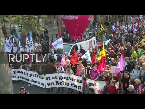 LIVE: Largest workers' union hits the Paris streets against proposed labour law reforms