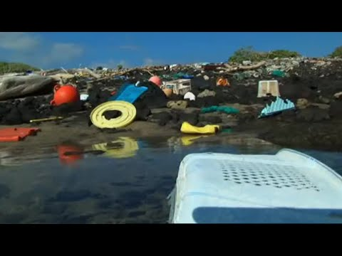 One of the Dirtiest Beaches in the World - Hawaii - Message in the Waves - BBC