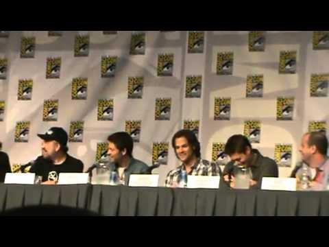 Jensen Ackles, Jared Padalecki, Misha Collins and Jim Beaver at comic con 2010 Full length