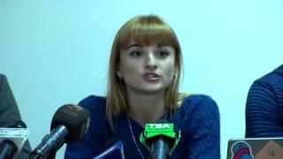 Чернівецькі активісти вирішили створити електронну базу декларацій чиновників та депутатів(, 2016-11-01T19:18:05.000Z)