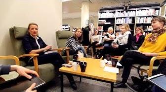 Annamari Marttisen vierailu Epos e-lukupiirin kokoontumisessa Tikkurilan kirjastossa