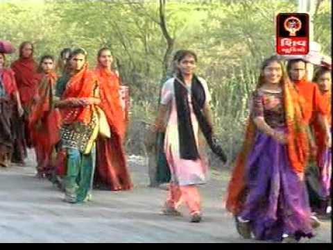 Padyatri Haalta Jaay - Hemant Chauhan - 2016 New Ashapura Maa Na Garba-2016 New Ashapura Maa Songs