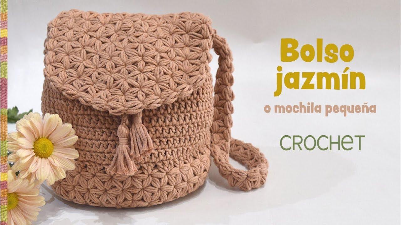 71e4c6526 Bolso-mochila Jazmín tejido a crochet - Patrones gratis