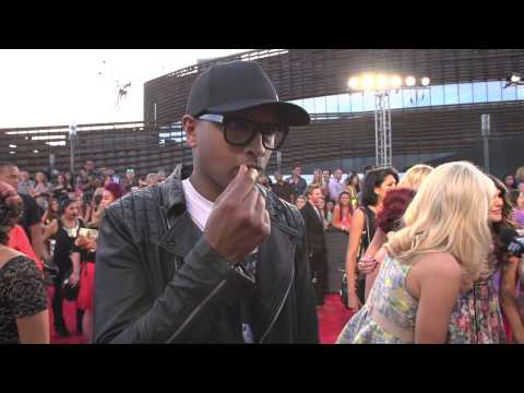 "MTV Video Music Awards 2013 ""Interview Kenna 1"""