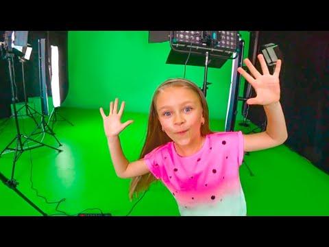 Мой новый канал - Tiki Taki Song | Танцы и песни на съемочной площадке