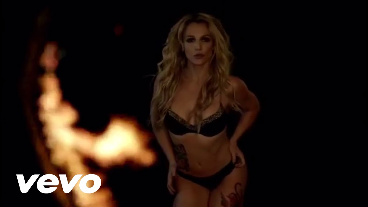 Britney spears breathe on me live at cduk - 5 1