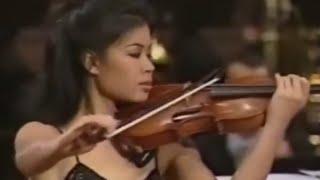 """Vanessa-Mae """"Toccata & Fugue"""" by Bach - Ванесса-Мэй """"Токката и Фуга Ре минор"""" Баха"""