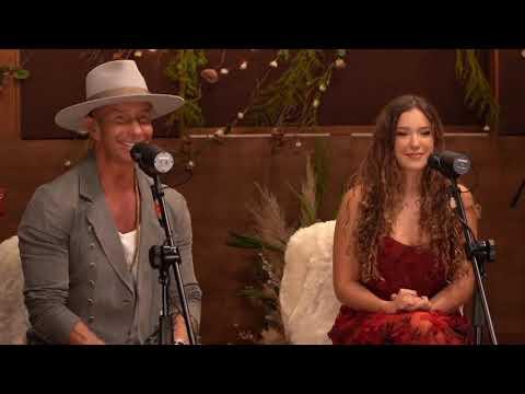 Mía Rubín hace su debut como cantante con su papá Erik Rubín