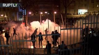 Французская полиция применила слезоточивый газ во время беспорядков в Париже