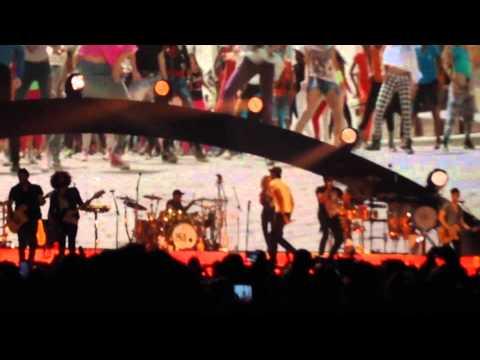 Enrique Iglesias - Bailando (English Version) [Live at Air Canada Centre]
