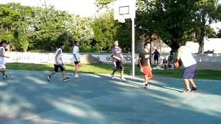 Basket Parque de Lomas, partido a 10 puntos.