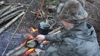 Bushcraft Breakfast + Lean To Shelter Building