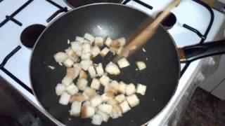 Как легко сделать сухарики на сковородке
