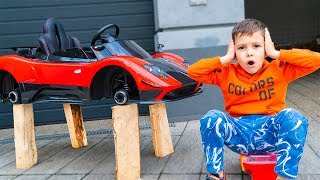 Artem and Superhero Hulk is looking for toy power wheels for toy vehicles