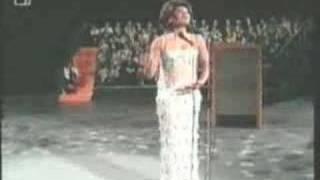 "Shirley Bassey Sings ""It"