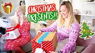 opening christmas presents vlogmas day 24