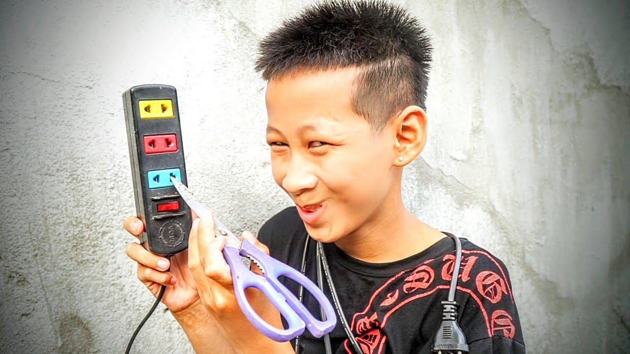 Coi Cấm Cười   Phiên Bản Việt Nam - NCT Vlogs - Part66.