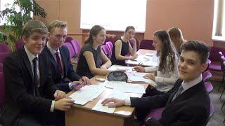 Лицеисты 10-11-х классов ведут уроки в 8-9 классах МАОУ лицей № 82, Нижний Новгород