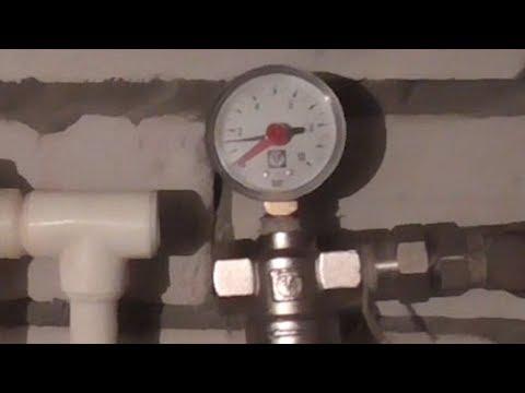 Разборка магистрального фильтра для очистки воды.