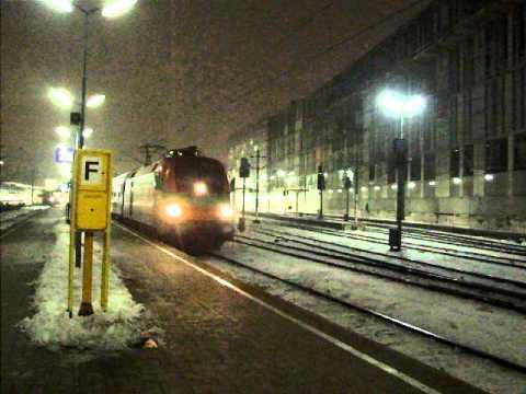 """D 347 """"Dacia"""" (Vienna - Bucuresti) leaving Wien Westbf (from 1:00...)"""