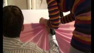 Драпировка тканью - украшение свадьбы тканью(Видео-отчёт о работе преподавателей школы дизайна событий Букетио. Мы занимаемся обучением флористов и..., 2011-01-20T13:59:31.000Z)