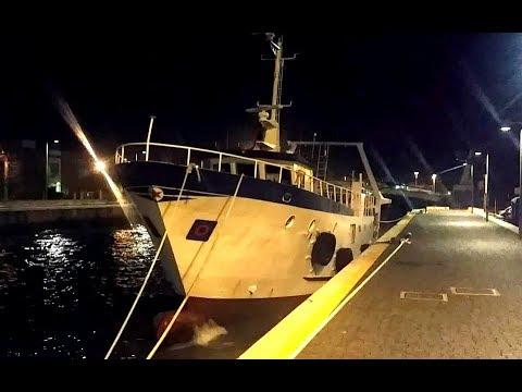 Il ballo dei Pescherecci nel porto canale di Fiumicino, ESAGERATO!