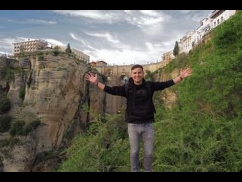RONDA: INCREDIBLE HIKE IN ANDALUCIA TO SEE THE FAMOUS BRIDGE