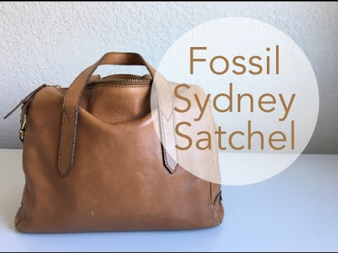What's In My Bag   Sydney Fossil