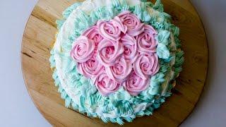 Come decorare una torta con la panna: rose e tecnica dell' intreccio di panna
