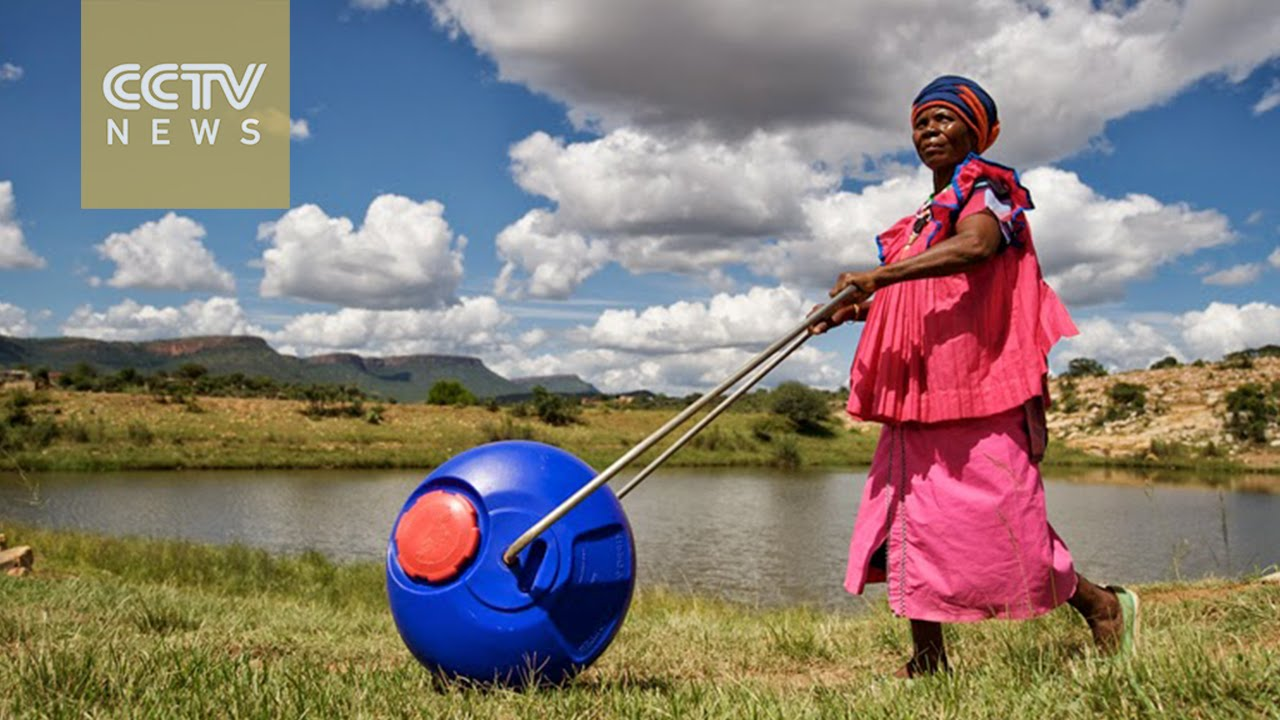 Hippo Roller' gadget providing access to clean water - YouTube
